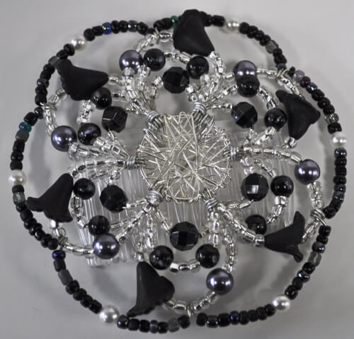 Callas in Black Beaded Wire Kippah